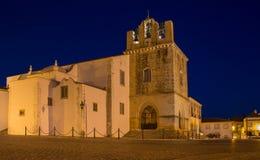 S kathedraal van Faro Igreja DE Santa Maria na zonsondergang, Haven Stock Afbeeldingen