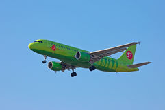 S7 - Líneas aéreas Airbus A320 de Siberia Imagen de archivo libre de regalías