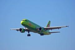 S7 - Líneas aéreas Airbus A320 de Siberia Imágenes de archivo libres de regalías