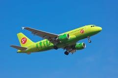 S7 - Linhas aéreas Airbus A319 de Sibéria Foto de Stock Royalty Free