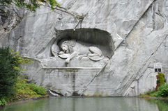 ` S Lion Monument di Lucerna Fotografie Stock