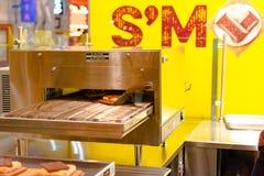 S and M Smores Hersheys Oven stockbild