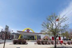 ` S McDonald в США, Корпорации цепь ` s мира самая большая ресторанов фаст-фуда гамбургера Стоковые Фото