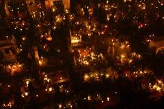 ‰ S MIXQUIC, MEXICO - NOVEMBER 2012 FÖR SAN ANDRÃ: Årliga åminnelser som är bekanta som `-LaAlumbrada ` under dagen av dödaen Royaltyfri Fotografi