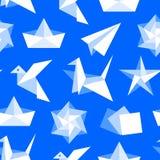 S?ml?s modell f?r origami med plana symboler Pappers- kranar, f?gel, fartyg, illustrationer f?r plan vektor Kulöra bakgrundsblått stock illustrationer