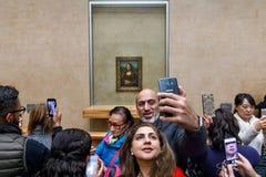 ` S Mona Лиза Леонардо Да Винчи на жалюзи Museumn Стоковые Фотографии RF