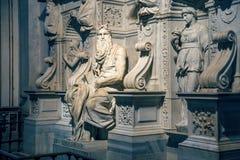 ` S Mosè di Michelangelo nella basilica 2 immagine stock