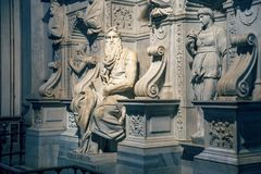 ` S Moses de Michelangelo na basílica 2 imagem de stock