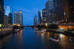 's nachts Chicago Stock Afbeeldingen