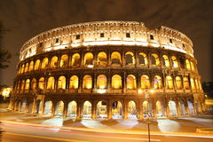 's nachts Colosseum Stock Foto's