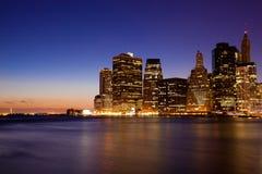 's nachts de Horizon van New York - van Manhattan Stock Fotografie