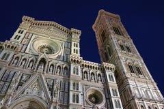 's nachts de kathedraal van Florence stock afbeelding