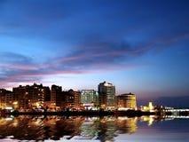 's nachts de Kust van de stad stock foto