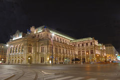 's nachts de opera van Wenen Stock Foto