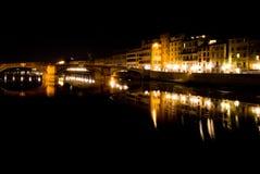 's nachts de Rivier van Arno royalty-vrije stock foto