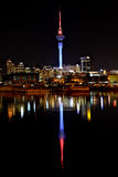 's nachts de Stad van Auckland Stock Afbeeldingen