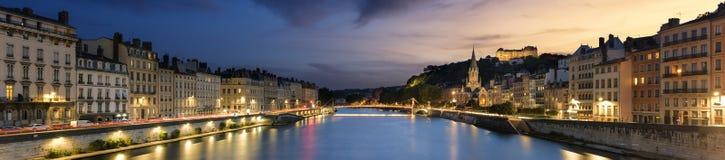 's nachts de stad van Lyon Stock Foto