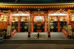 's nachts de Tempel van Asakusa stock foto