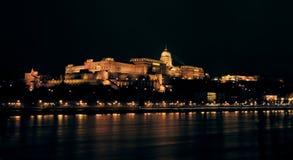 's nachts het Kasteel van Buda Stock Foto