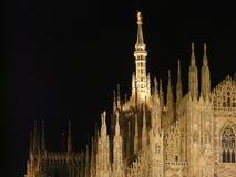 's nachts Milan Duomo Stock Foto's