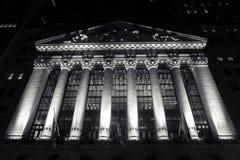 's nachts New York Stock Exchange Royalty-vrije Stock Afbeeldingen