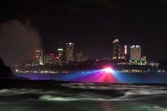 's nachts Niagara Falls stock afbeelding