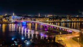 's nachts Novi Sad stock foto's
