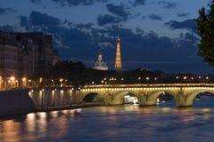 's nachts Parijs Stock Afbeeldingen