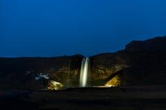 's nachts Seljalandsfoss Royalty-vrije Stock Fotografie