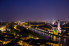 's nachts Verona royalty-vrije stock foto