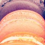 Słodcy i colourful francuscy macarons Obrazy Stock
