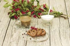 Słodka rolka i kawa Obrazy Stock