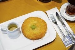Słodki baklava deser na talerzu Zdjęcie Royalty Free