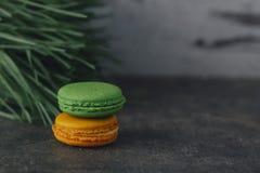 Słodki i colourful francuski macaron lub macaroons Zdjęcie Stock