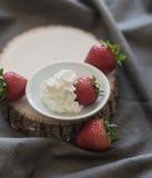 słodkie deserowe truskawki Fotografia Stock