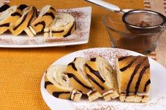 Słodkiej czekolady rolada z kakao Zdjęcia Royalty Free