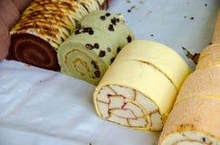 Słodkiej rolki tort w plasterkach Obraz Stock