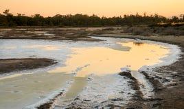 Słone jezioro podczas zmierzchu Obraz Royalty Free