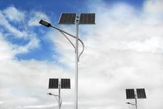 Słoneczne zasilane latarnie uliczne Zdjęcie Stock