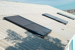 Słoneczny wodny ogrzewanie Zdjęcia Stock