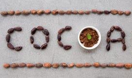 S?owa kakao robi? z kakaowymi fasolami fotografia stock