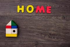 Słowo dom od drewnianych listów Obraz Royalty Free