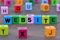 Słowo strona internetowa na stole Obrazy Stock