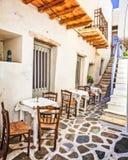 S?rie authentique traditionnelle de la Gr?ce - vieilles rues d'?le de Naxos, Cyclades images stock