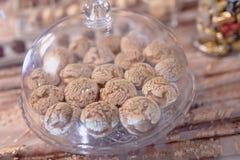 S??speisetabelle an einer Hochzeit Cakestand an einer Hochzeit stockfoto
