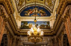 ` S St. Isaac Kathedrale in St Petersburg stockbild