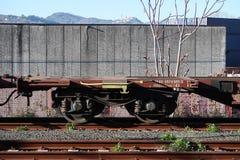 S Stefano Magra, Ла Spezia, Италия, 12/08/2016 Железнодорожный вокзал и депо контейнера стоковое фото rf