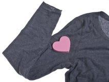 S'user votre coeur sur votre chemise Images libres de droits
