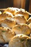 Saída cozida do pão do forno foto de stock royalty free