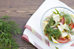 Sałatka kałamarnica, świezi warzywa i ziele gotujący, Zdjęcia Stock